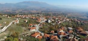 Building Communities of Commons in Greece: Sarantoporo